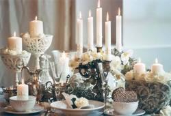 [title] - Auch Kerzen spielen bei der Hochzeits-Zeremonie eine wichtige Rolle. Nicht nur deshalb, weil Kerzen zu romantischen Anlässen passen.Ihnen kommt bei der Zeremonie eine große Bedeutung zu.
